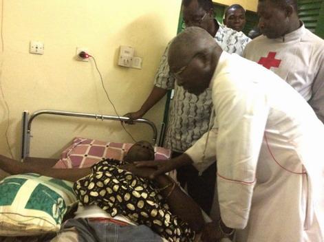 CHU-Yalgado Ouédraogo: Le Cardinal Philippe OUEDRAOGO au chevet des blessés de la crise