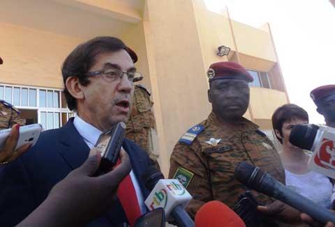 Charte de la transition: L'ambassadeur de France félicite le chef de l'Etat pour la qualité du document