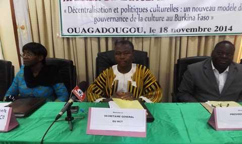 Décentralisation et politique culturelle: Un nouveau projet pour un développement local centré sur la culture