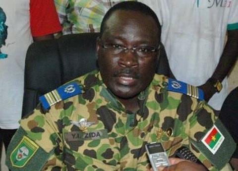 Transition politique: le lieutenant-colonel Yacouba Isaac Zida nommé Premier Ministre