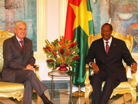 Emmanuel Beth, ancien ambassadeur de France au Burkina: L'exfiltration de Blaise Compaoré «a été réalisée à la demande de chefs d'Etat africains»