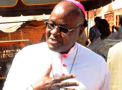 Mgr Paul Yembuaro Ouédraogo, Archevêque de Bobo-Dioulasso: «Vous n'aurez jamais un évêque, chef suprême des armées»