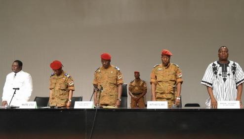 Yacouba Isaac Zida à Bobo: «Ceux qui doutaient de la sincérité de l'armée peuvent constater que le Président du Faso et le Président du Conseil national de la transition sont tous des civils»