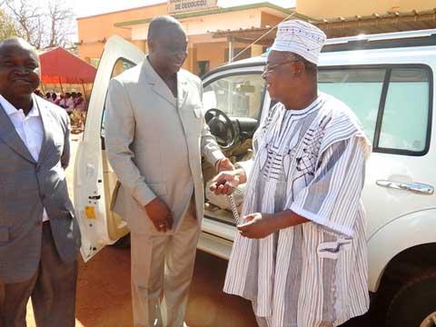 Festivités du 11 décembre: SEMAFO offre une ambulance à la direction régionale de la santé
