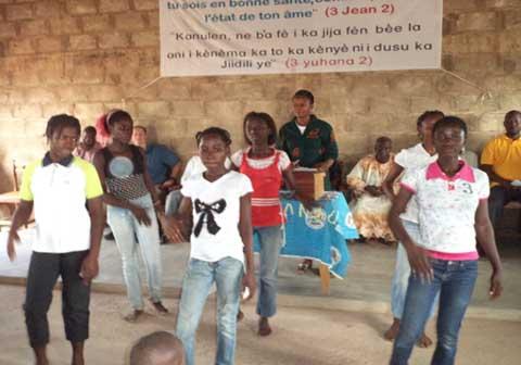 Banfora: les enfants de Bounouna célèbrent Noël par anticipation
