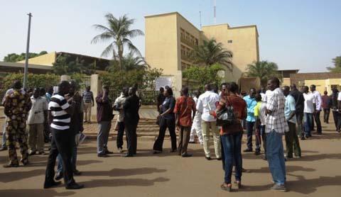 Sit-in à la CAMEG: Les agents continuent de décrier la moralité du nouveau DG