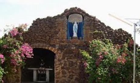 Communion de prière dans la lutte contre Ebola au sanctuaire marial de Yagma
