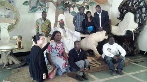 Dialogue politique au Burkina: des jeunes de partis politiques chez le Mogho Naaba