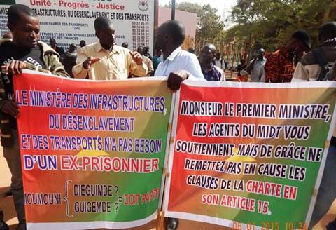 Sit-in au MIDT: les agents continuent de resserrer l'étau autour de Moumouni Dieguemdé