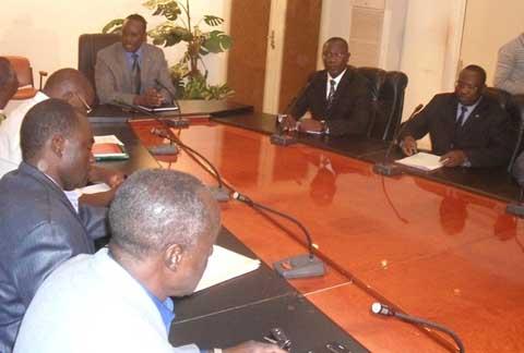 Situation nationale: Les trois exigences des centrales syndicales au Premier ministre Zida