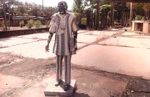 Palais de Maurice Yaméogo: Du palais présidentiel au dépotoir, les ruines de l'indifférence