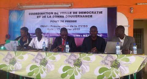 Transition et bonne gouvernance: Une coordination pour jouer le rôle «de chien de garde»