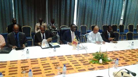 Transition politique: Macky  Sall fait une revue générale avec les acteurs