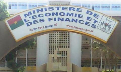attaché ministère finance