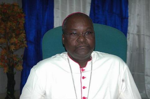 Manifestations contre les caricatures de Charlie Hebdo: Mgr Paul Ouédraogo recommande une journée de jeune et de prière pour les chrétiens du Niger