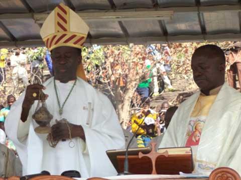 Pèlerinage  au sanctuaire de Fabédougou: les Chrétiens  de Banfora ont prié pour la paix au Burkina Faso