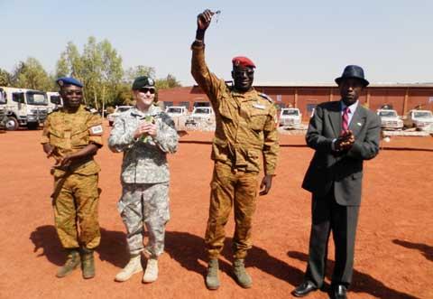 Coopération militaire: les Etats-Unis offrent du matériel de lutte anti-terroriste au Burkina Faso