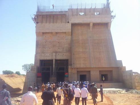 Samendéni: Michel Kafando et son gouvernement ont visité le barrage en construction