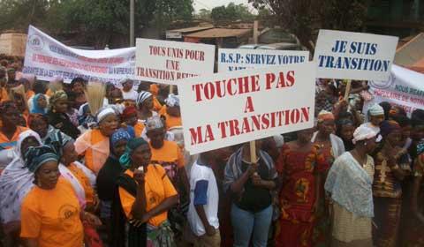 Bobo-Dioulasso: Des femmes ont marché pour demander le démantèlement du Régiment de sécurité présidentielle (RSP)