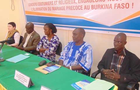 Lutte contre le mariage précoce: Le ministère de l'action sociale sensibilise les leaders coutumiers et religieux du Sahel