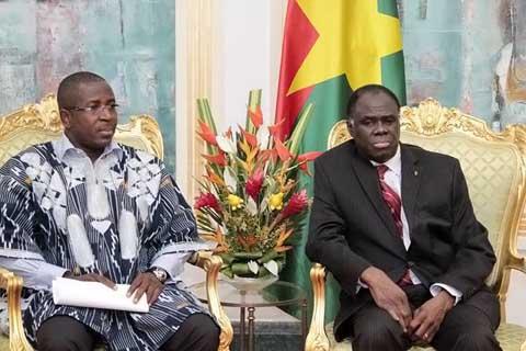 Transition politique: Des OSC exigent la clarification du statut de Blaise Compaoré