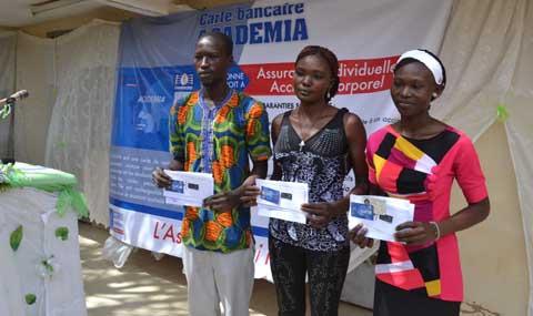 Assurance accident corporel: Coris Bank au secours des étudiants bénéficiaires du FONER