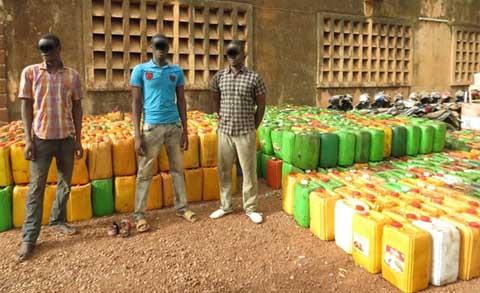 Aliments impropres à la consommation: Après les canettes, «une usine» de fabrique d'huile démantelée