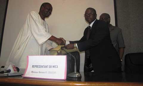 Direction générale d'APEX Burkina: Sibiri Sanou passe le témoin à Amidou Barry