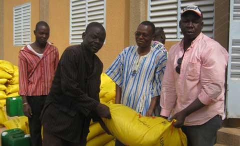 ONG RES PUBLICA: Des vivres aux écoles du Boulkiemdé