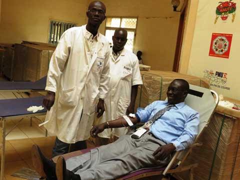 Don de sang: La LONAB passe à l'acte