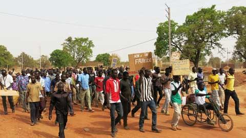 Parcelles à Pabré: l'ex-Maire Anatole Douamba décrié par des jeunes
