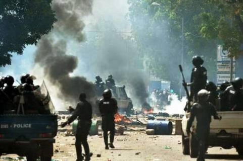 Nouveau code électoral: Quatre personnes interpellées à Bobo après une manifestation «illégale»