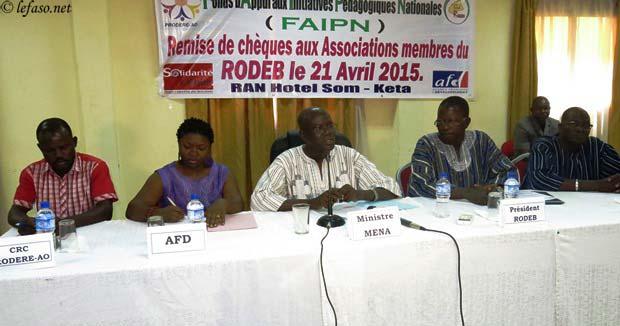Education de qualité pour tous: Les enveloppes du RODEB à quatre associations