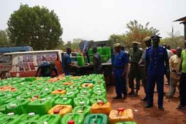 Bobo: 27.000 litres d'huile frelatée saisis par la gendarmerie