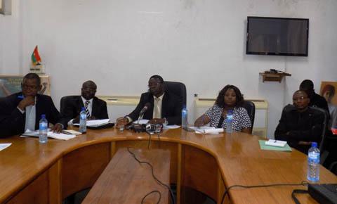 Personnes interpellées pour piraterie de réseaux téléphoniques: Un seul relaxé, quatre toujours en prison en attendant leur procès le 29 avril