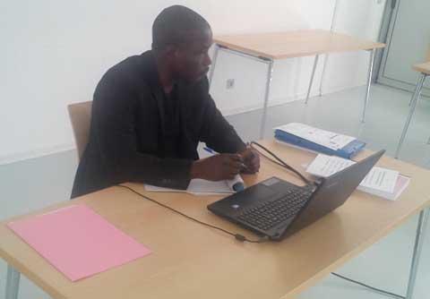 Difficultés de l'enseignement des mathématiques dans les écoles bilingues: Les solutions du nouveau docteur Oumar Lingani