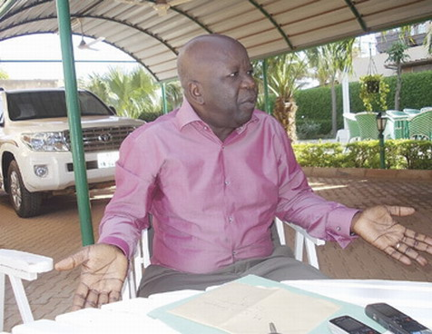 Simon Compaoré, ex-maire de Ouagadougou et 2è vice-président du MPP, a été interpellé ce vendredi par la brigade de gendarmerie de Boulmiougou et est sous audition en ce moment.