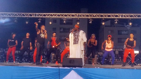 Hommage au PDG d'Abdoul 'Services: Plus d'une vingtaine d'artiste-musiciens ont fait le show