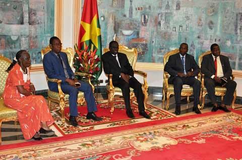 Carnet d'audiences du Président du Faso: Des Sankaristes et la Banque mondiale chez Michel Kafando