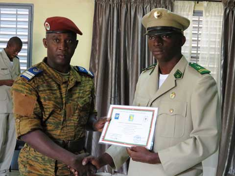 Logistique et maintenance des armes: 20 stagiaires de 14 pays africains reçoivent leur diplôme à Ouagadougou