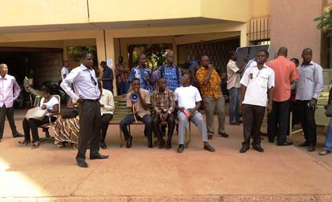 Sit-in au Ministère de l'Industrie du Commerce et de l'Artisanat: Des agents réclament la création d'un fonds commun