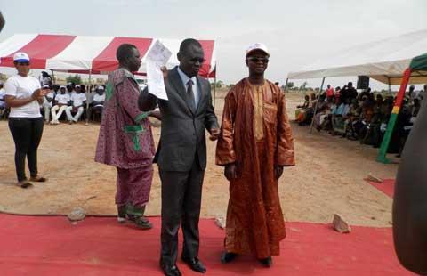 Bobo-Dioulasso: Soixante attributaires des cités Djiguiya ont reçu les clés de leurs villas