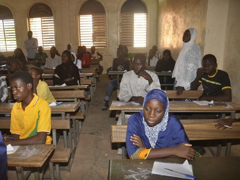 Ecoles Franco-arabes: Le Ministre de l'Education nationale et de l'Alphabétisation donne le coup d'envoi du CEP