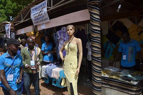 Mode: MAIMA pour la promotion de l'art vestimentaire africain