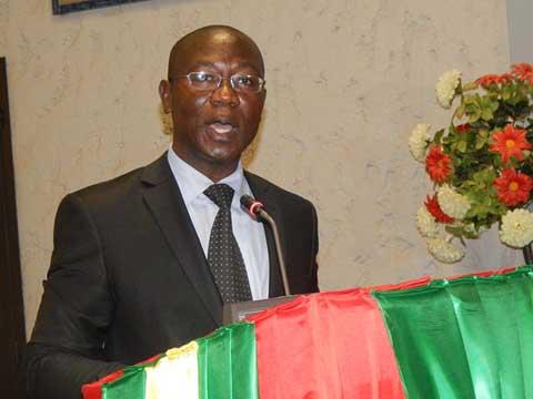Gouvernance politique en Afrique: «les instruments juridiques régionaux méritent d'être repensés», dixit Pr Augustin Loada