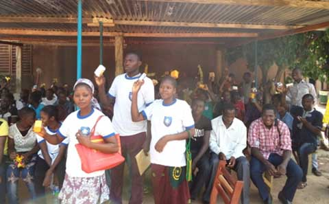 Maison d'arrêt et de correction de Banfora: Les appelés du SND offrent du savon aux détenus