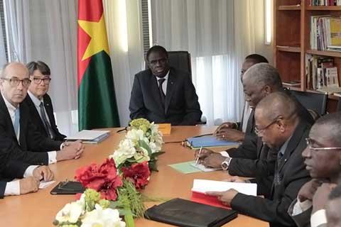Michel Kafando a échangé avec les consuls Honoraires du Burkina dans la juridiction de Paris