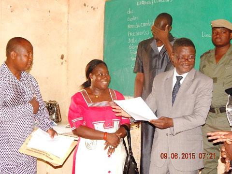 Examen du CEP dans la Boucle du Mouhoun: Le Gouverneur encourage les 34 014 candidats de sa région