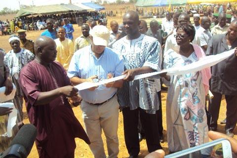 Accès à l'énergie en milieu rural: SINCO a électrifié les communes de Oula et Lèba