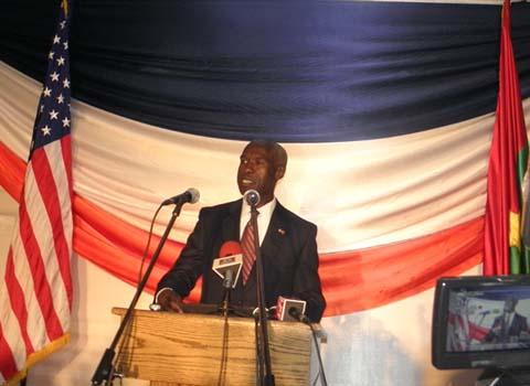 Ambassadeur Tulinabo Mushingi: «On a tourné la page des Lenga, article 37 et stades remplis recto-verso»